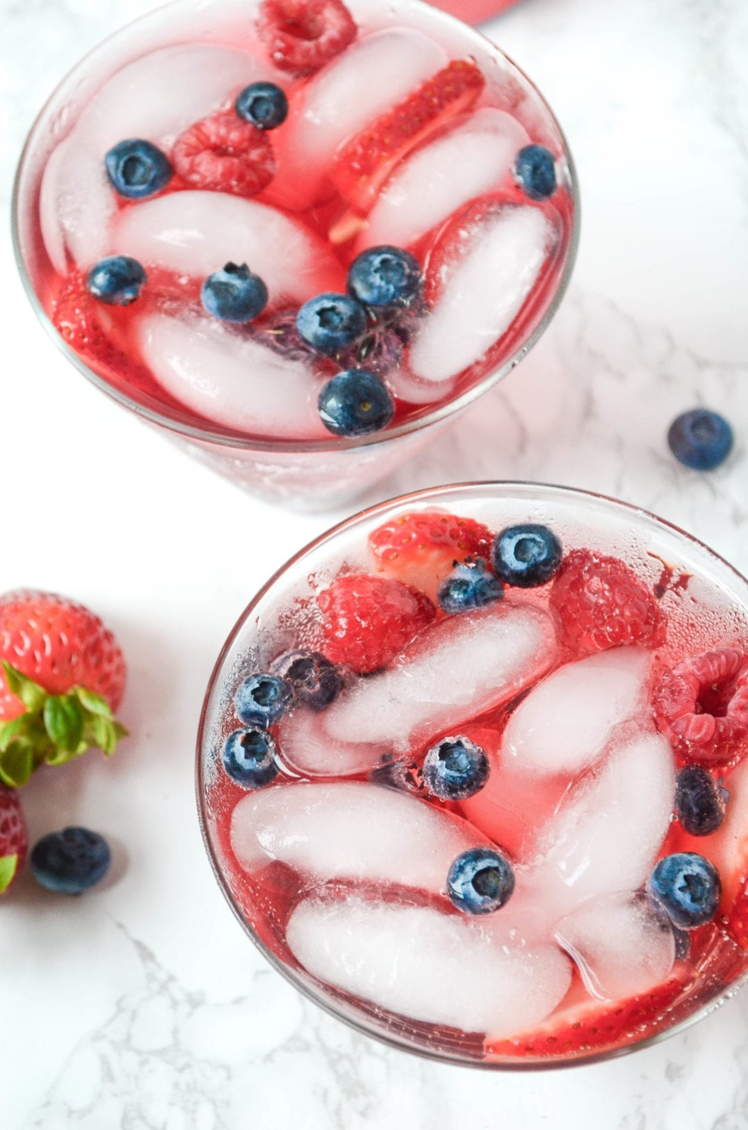 Sparkling Hibiscus Berry Cocktail