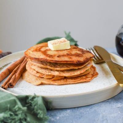 5 Ingredient Carrot Cake Pancakes