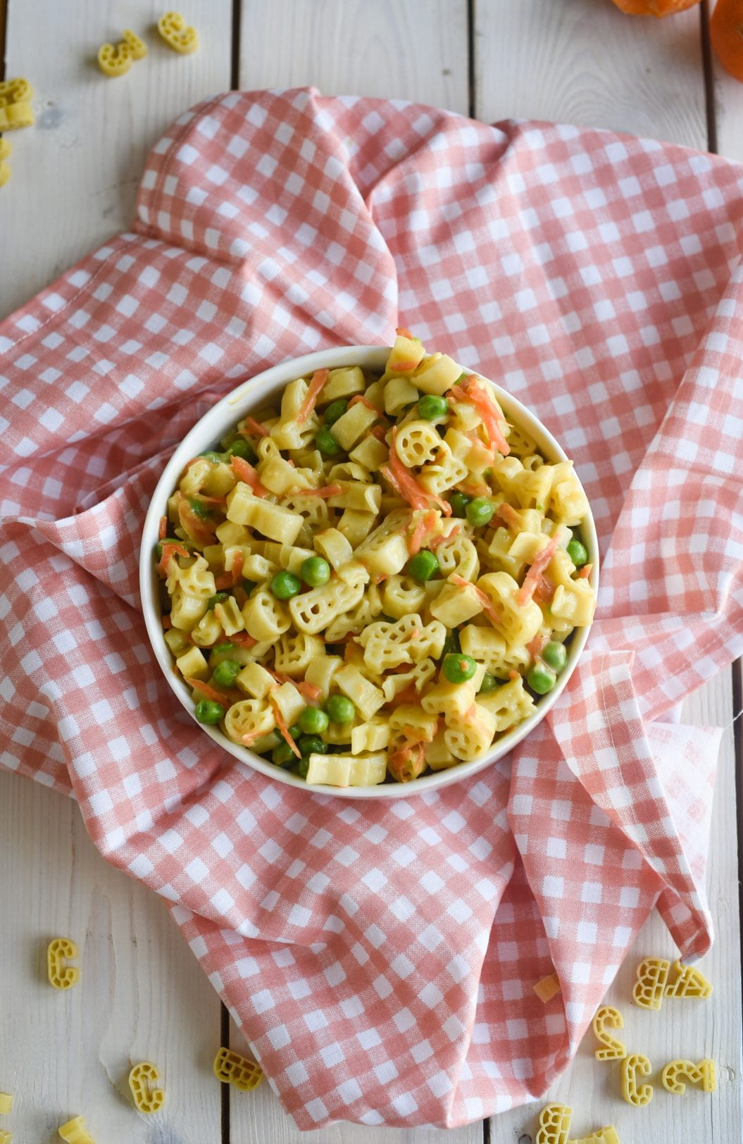 pasta and vegetable in bowls